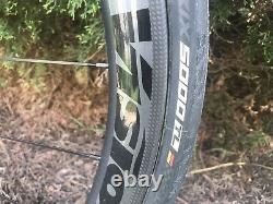 2017 Trek Domane SL6, 56cm, carbon wheels, tubeless